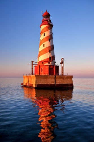 lighthouse- great lakes